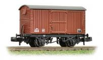 Graham Farish 377-981 12 Ton Eastern Ventilated Van with Corrugated Ends in BR Late Bauxite